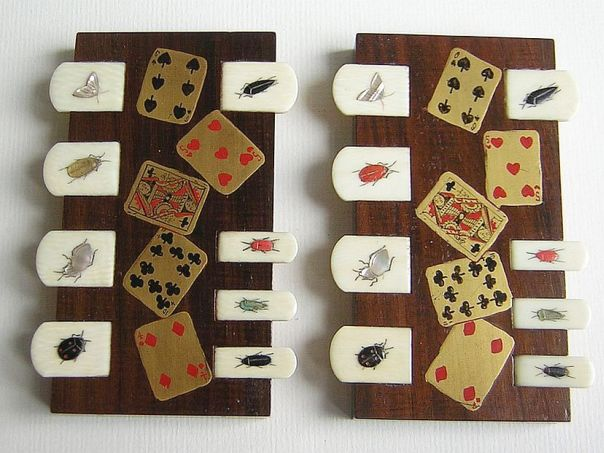 Pair decorated with playing cards – (2903)